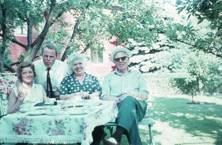 Mine foreldre og besteforeldre i min barndoms hage
